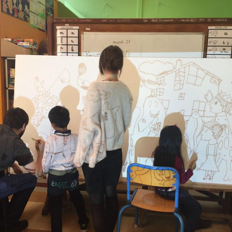 MIAA Chronique 4, A l 'école la paix de Mons en baroeul les girafes ressemblent à des fantômes!